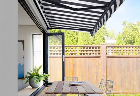 Black-White-Stripe-Cafe-Awning